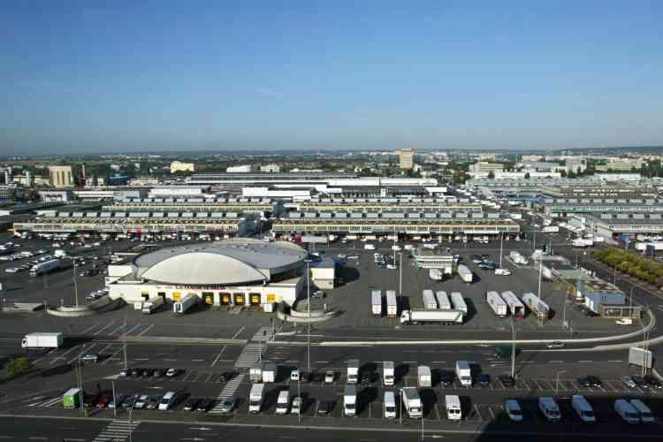 Vue générale, prise le 29 juillet 2003, du marché de Rungis.