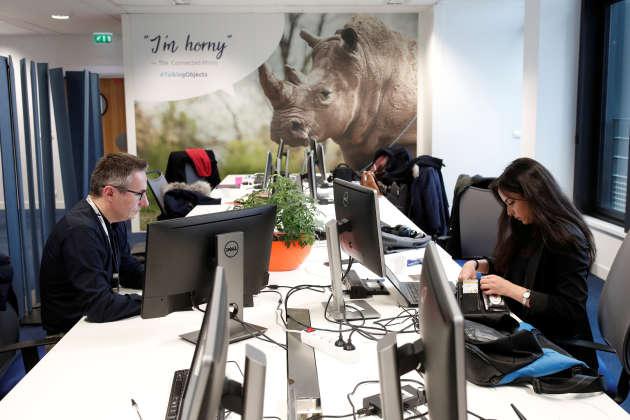 Des employés d'une start-up à Paris, en février 2018.