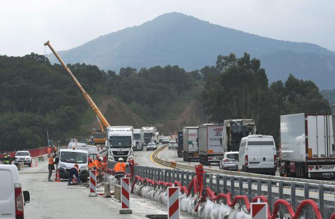 Travaux d'élargissement de l'autoroute A9 entre Le Boulou et le Perthus, dans les Pyrénées-Orientales, en novembre 2018.
