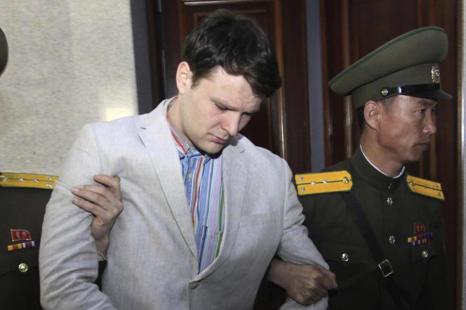 Otto Warmbier lors de son jugement à Pyongyang, le 16mars2016.
