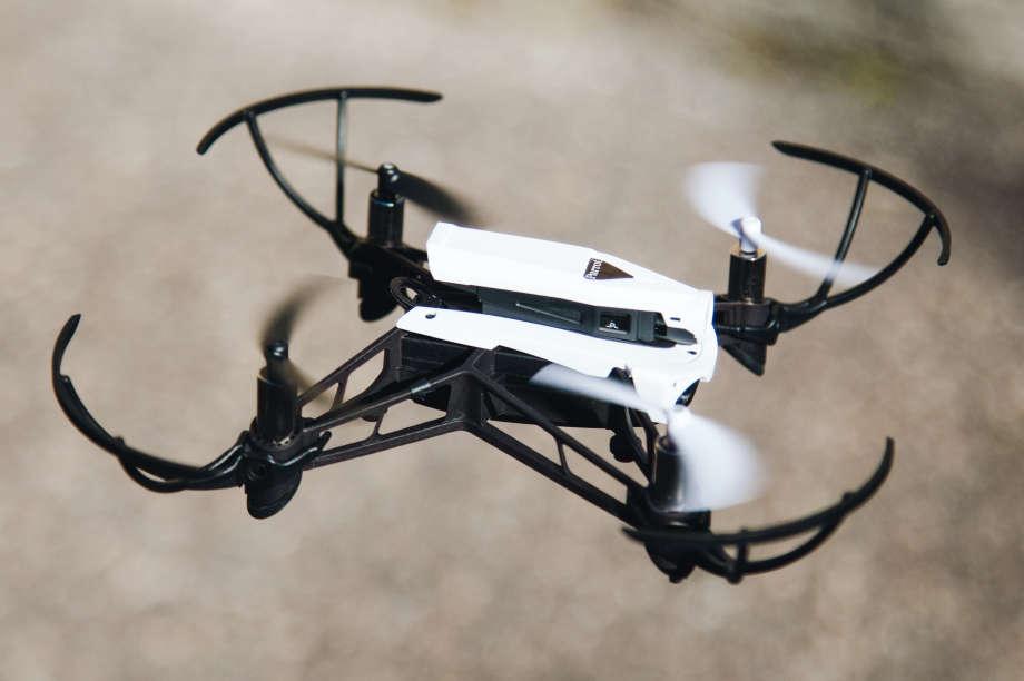 5bc0c73d56 Comparatif 2019 des meilleurs drones à moins de 100 euros
