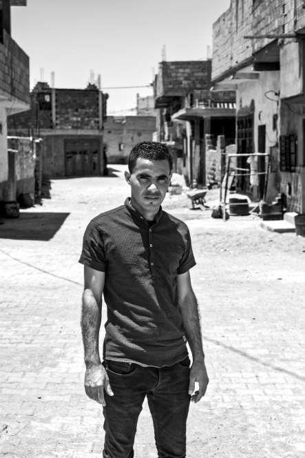 «Le chômage est le fléau le plus important à combattre.» Tarek, 25ans, est militant depuis 2011 au sein de la Coordination nationale de défense des droits des chômeurs (CNDDC). Il possède une formation d'électromécanicien mais travaille comme simple employé sur une plateforme pétrolière.