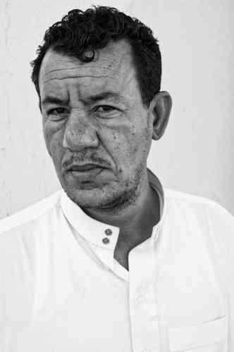 Mamaar, 40ans, est membre fondateur de la CNDDC. Il travaille depuis trois ans sur une plateforme pétrolière à Hassi Messaoud: «Je vois les problèmes sur mon lieu de travail, les injustices faites aux ouvriers. J'aimerais créer un syndicat, mais je pense être trop connu comme militant et je pourrais perdre mon travail.»