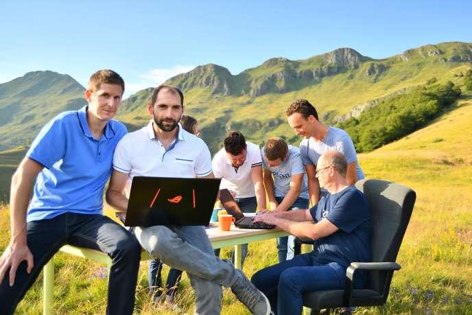 La campagne, nouveau terrain de jeu des start-up? Le pari osé de deux entrepreneurs dans le Cantal