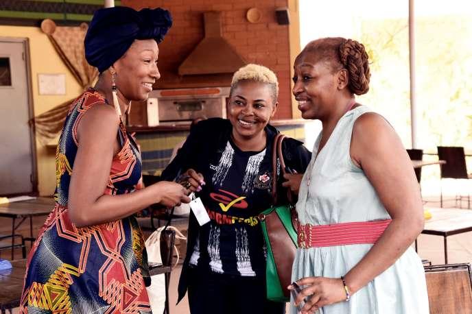 De gauche à droite : les actrices française Nadège Beausson-Diagne et burkinabée Azata Soro, et la réalisatrice camerounaise Pascale Obolo, lors de la 26e édition du Fespaco, à Ouagadougou, le 28 février 2019.