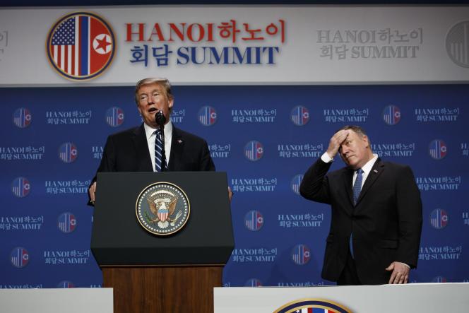 Donald Trump et le secrétaire d'Etat américain Mike Pompeo lors de leur conférence à Hanoï, le 28 février.