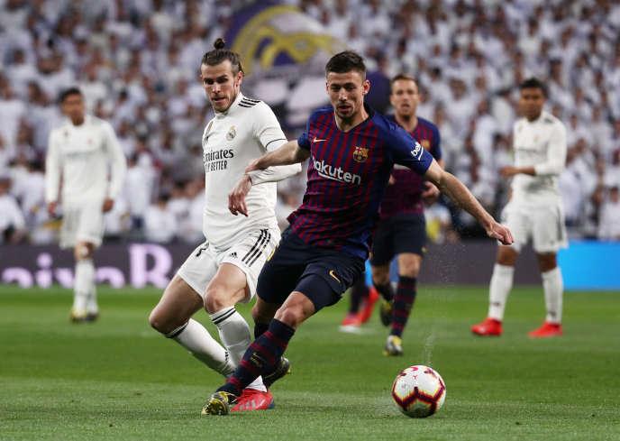 Clément Lenglet, aux prises avec Gareth Bale, le 2 mars lors de Real Madrid-Barça.