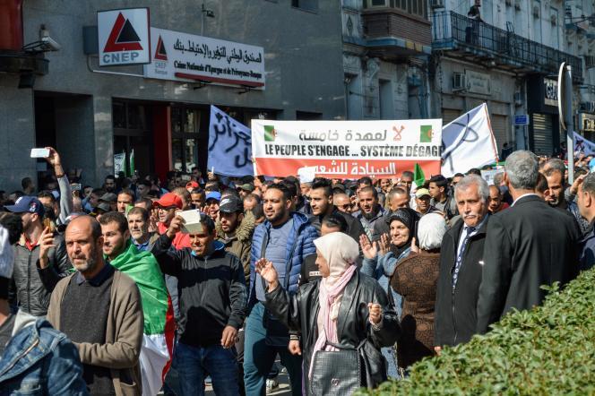 La marche contre Abdelaziz Bouteflika à Annaba, à l'ouest de l'Algérie, le 1er mars.