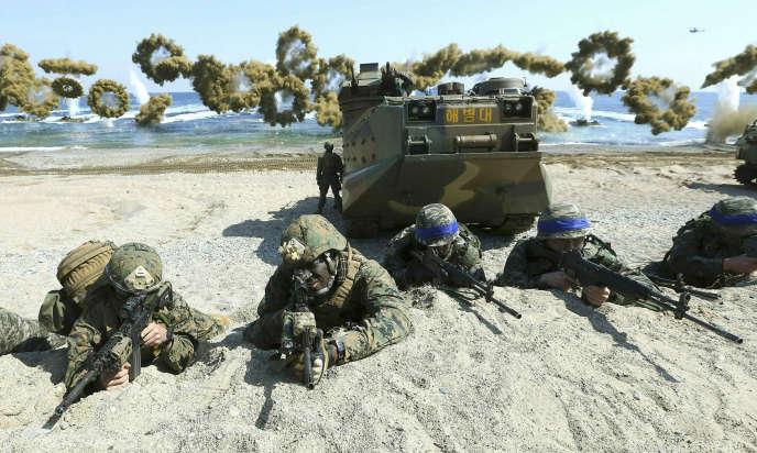 Le 12 mars 2016, des exercices conjoints à Pohang, dans le sud-est de la Corée du Sud.