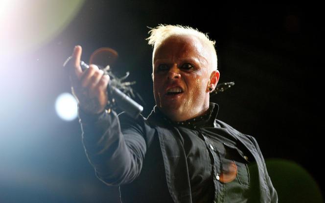 Le chanteur britannique Keith Flint, en concert au festival de musique de l'île de Wight(Royaume-Uni)en juin2006.