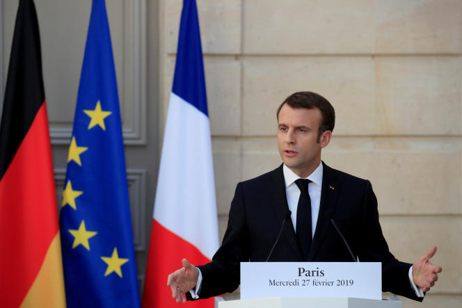 Le président Emmanuel Macron le 27 février, lors d'une conférence de presse à l'Elysée avec la chancelière allemande, Angela Merkel.