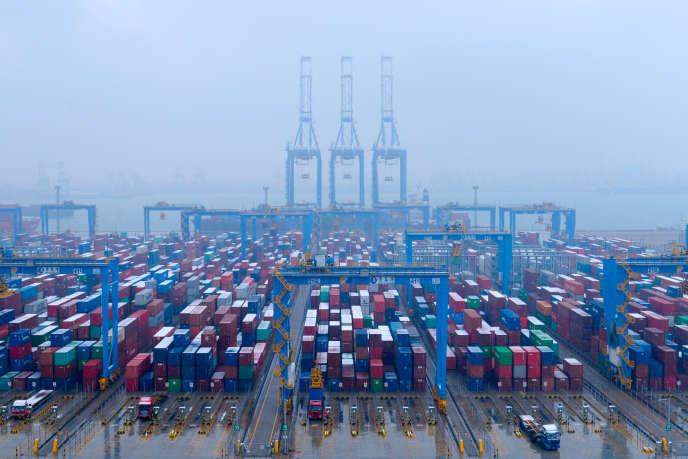 Le port de Qingdao (Shandong), dans l'est de la Chine, en décembre 2018.