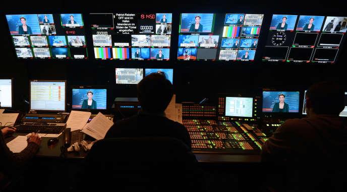 La salle de contrôle de la chaîne de télévision franco-allemande Arte, à Strasbourg, le 21 janvier 2013.