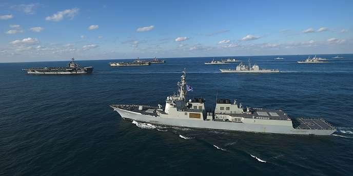 Exercice militaire conjoint entre Washington et Séoul, au large de la Corée du Sud, le 12 novembre 2017.