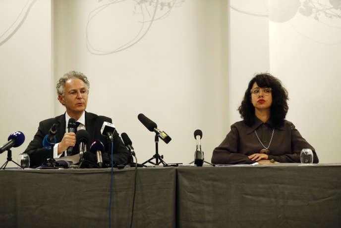 Jessica Finelle et François Zimeray, avocats de Carole, Caroline, Maya, Nadine et Anthony Ghosn, durant une conférence de presse à Paris, lundi4mars2019.