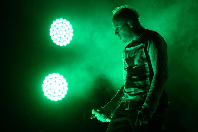 Keith Flint sur scène avec le groupe« TheProdigy», à Séoul, enaoût2015.