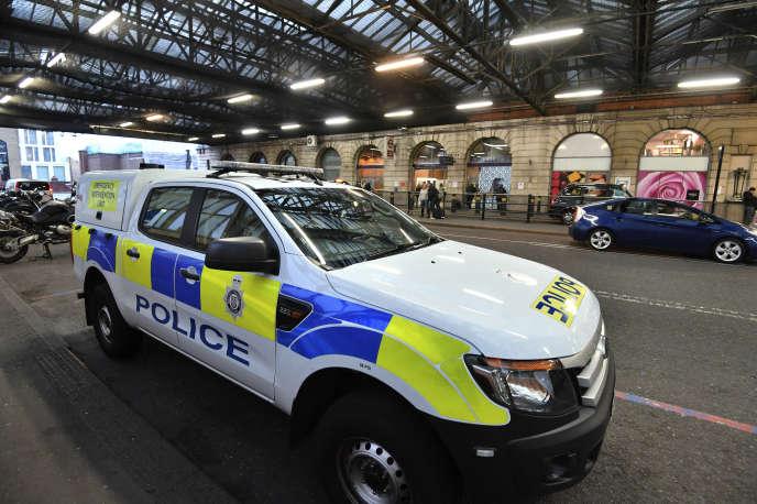 Un paquet contenant un petit engin explosif a été retrouvé mardi5mars à la gare londonienne de Waterloo, ainsi que dans les aéroports d'Heathrow et de London City.