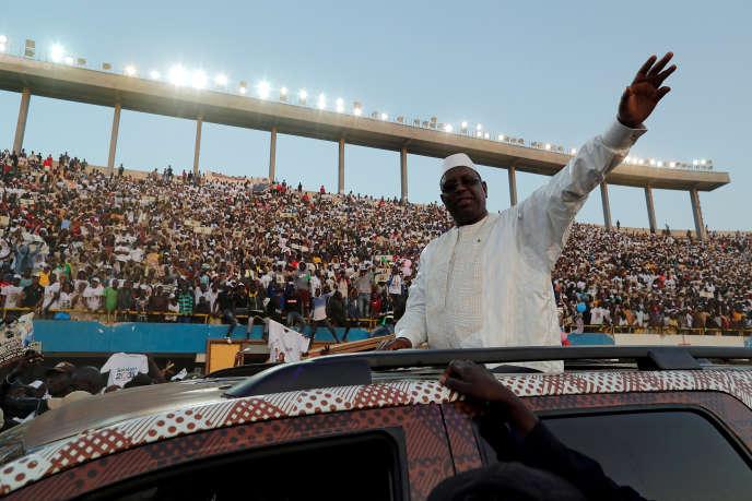 Macky Sall devant ses supporteurs à Dakar, le 22 février 2019, lors de son dernier meeting de la campagne présidentielle.