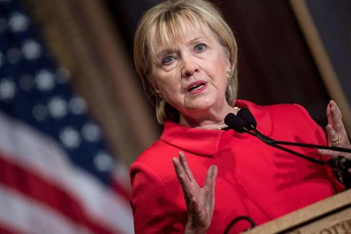 L'ancienne secrétaire d'Etat américaine, Hillary Clinton, prend la parole lors d'une cérémonie de remise de prix pour le Georgetown Institute for Women à l'université de Georgetown le 31mars 2017 à Washington D.C.