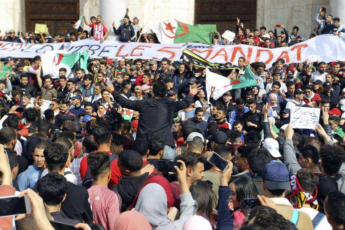 Manifestations, le 5 mars, à Alger, contre un cinquième mandat du président Bouteflika.