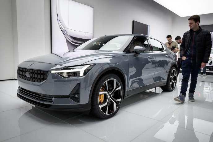 la grande angoisse des acheteurs devant la voiture du futur