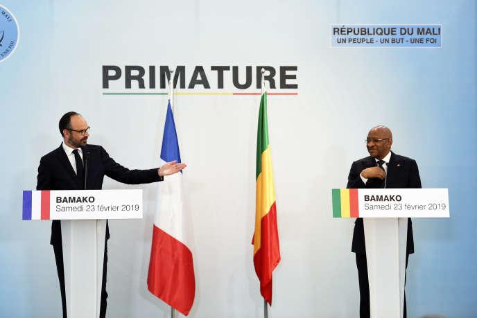 Le premier ministre français Edouard Philippe (à gauche) et son homologue malien Soumeylou Boubèye Maïga, à Bamako, le 23 février 2019.
