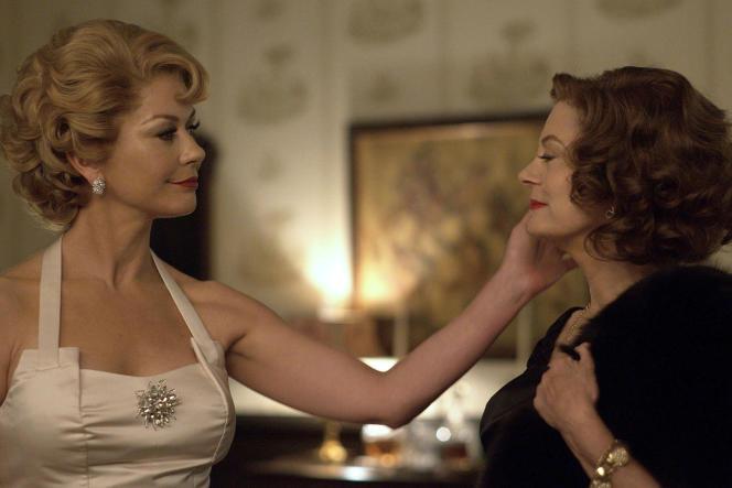 Olivia de Havilland (Catherine Zeta-Jones) et Bette Davis (Susan Sarandon) dans la série«Feud : Bette and Joan», sur Canal+