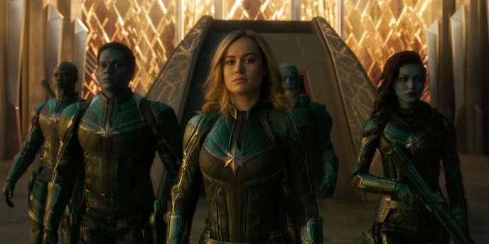 De gauche à droite : Korath (Djimon Hounsou), Att-Lass (Algenis Perez Soto), Carol Danvers/Captain Marvel (Brie Larson), Bron-Char (Rune Temte) et Minn-Erva (Gemma Chan).