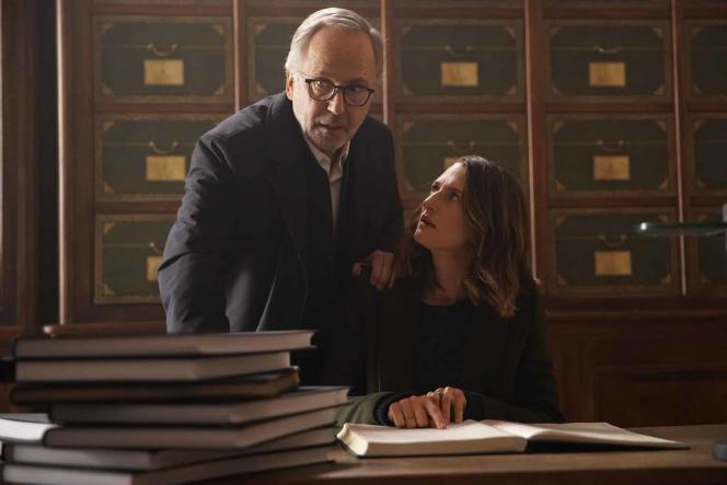 Jean-Michel Rouche (Fabrice Luchini) et Joséphine (Camille Cottin) dans «Le Mystère Henri Pick», deRémi Bezançon.