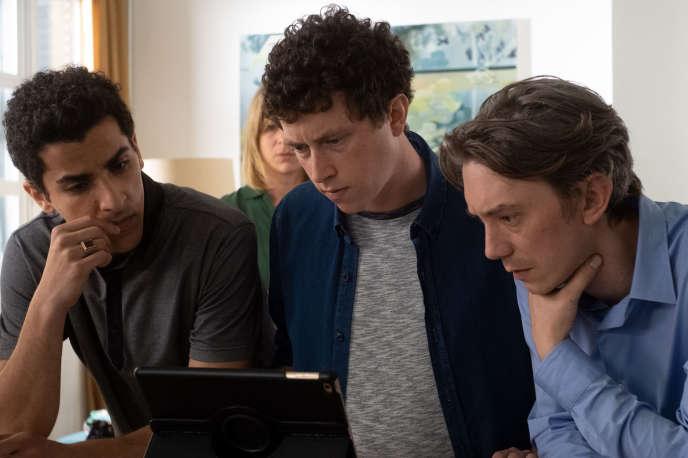 Kassem Al Khoja, Finnegan Oldfield et Swann Arlaud dans« Exfiltrés», d'Emmanuel Hamon.