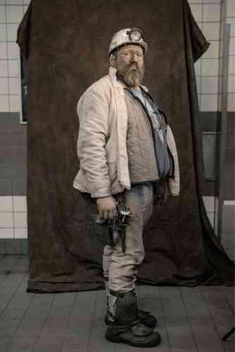 Un ouvrier allemand, An Hauer, après une rotation de huit heures.