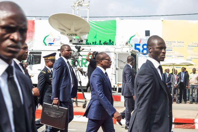 Le président béninois, Patrice Talon (au centre), lors du 58eanniversaire de l'indépendance du pays, à Cotonou, le 1eraoût 2018.