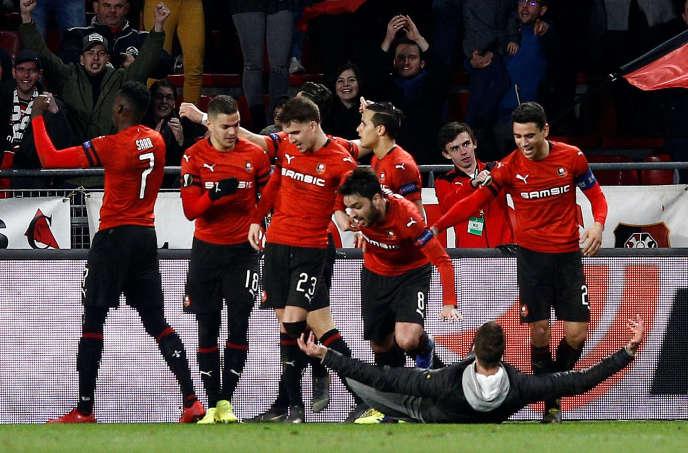 La joie des Rennais après leur victoire contre Arsenal.