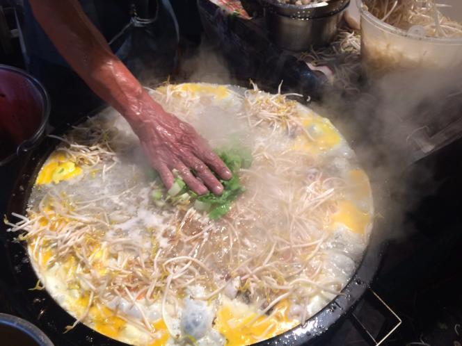 L'omelette aux huîtres, une des nombreuses spécialités de «street food» taïwanaise.