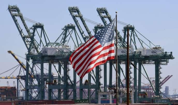 Long Beach (Californie), port d'entrée principal pour les échanges commerciaux entre les États-Unis et l'Asie.