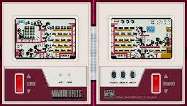 Nintendo a commencé à expérimenter une console à écrans LCD en pleine mode des Game & Watch.