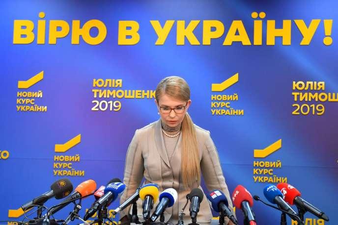 L'ex-première ministre ukrainienne et nouvelle candidate à la présidentielle, Ioulia Timochenko, lors d'une conférence de presse, à Kiev, le 22 février.