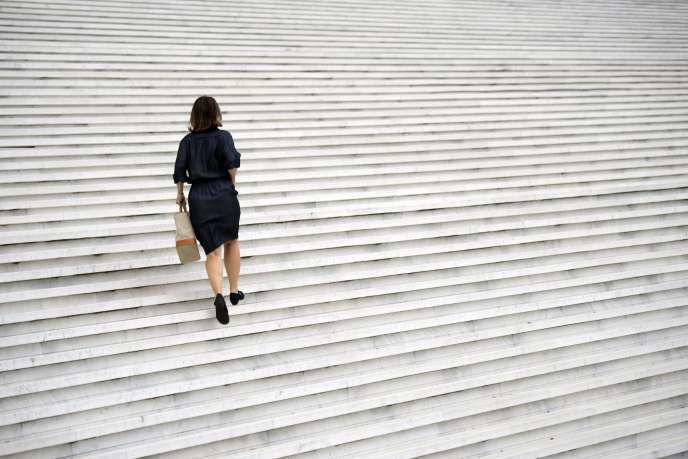 Le poids des normes explique en partie les inégalités hommes-femmes dans le monde du travail.