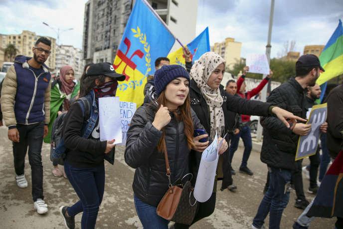 Manifestations d'étudiants à Béjaïa (Kabylie) contre lecinquième mandat du président Bouteflika, le 26 février.