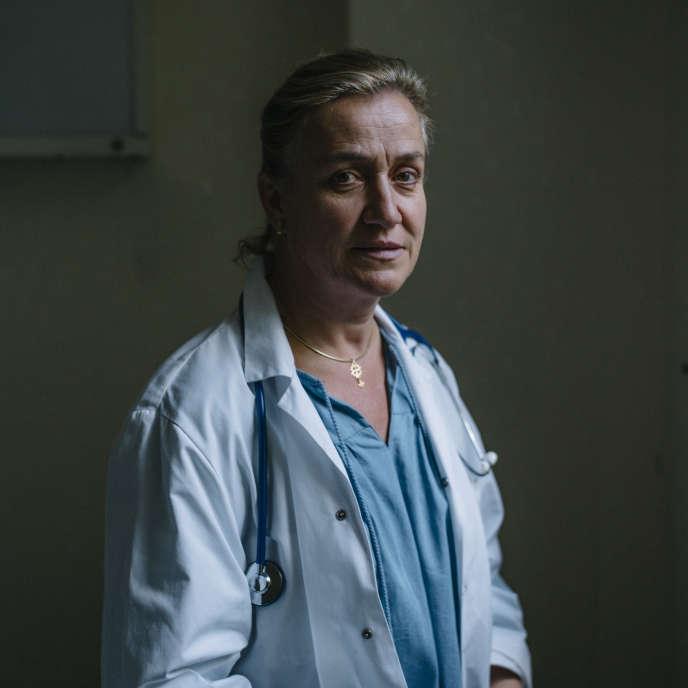 Irène Frachon est une pneumologue française. Elle a notamment joué un rôle décisif dans l'affaire du Mediator.