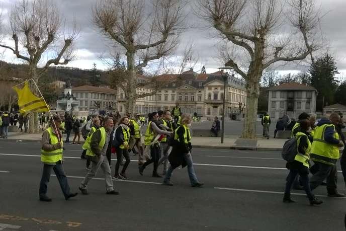 Le 9 mars 2019, devant la préfecture du Puy-en-Velay.