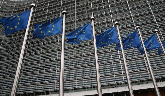 A Bruxelles, devant les bureaux de la Commission européenne, le 6 mars.