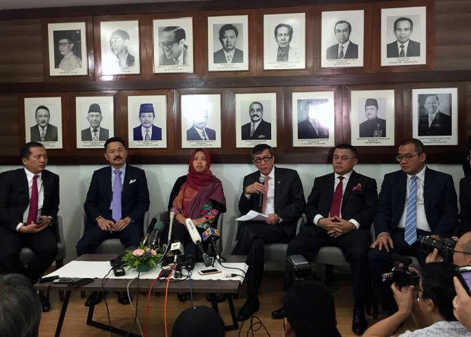 Conférence de presse de Siti Aisyah à l'ambassade d'Indonésie, à Kuala Lumpur (Malaisie), le 11mars 2019.