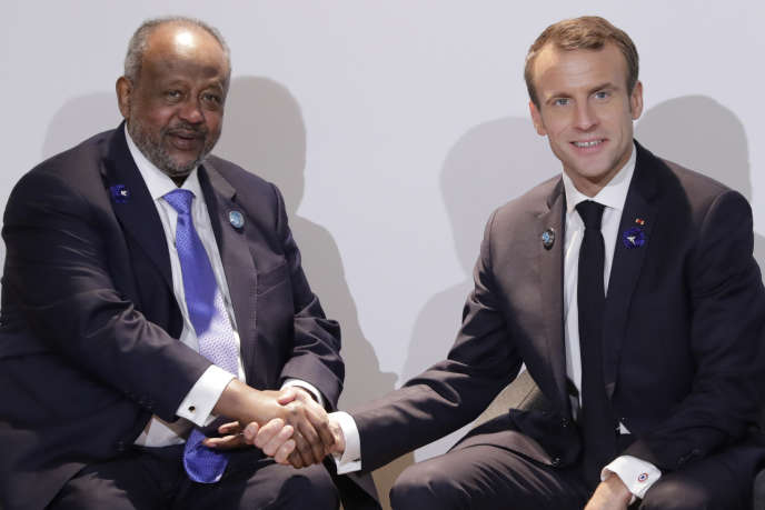 Les présidents Ismaïl Om Guelleh (Djibouti) et Emmanuel Macron (France) au Forum de Paris sur la paix, le 11novembre 2018.