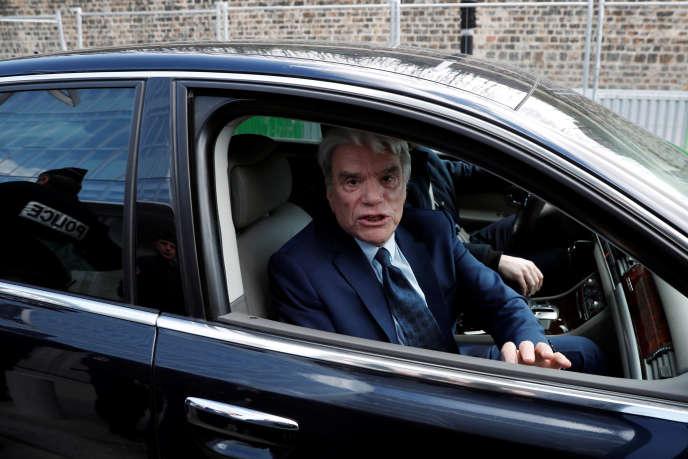 Bernard Tapie à son arrivée au tribunal correctionnel de Paris, le 11 mars.