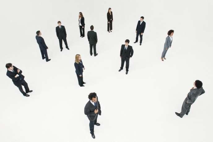 Mixtes au niveau junior, ces secteurs comptent de moins en moins de femmes en haut de la hiérarchie.