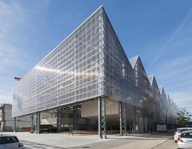Dans les anciennes halles Alstom, l'Ecole des beaux-arts de Nantes réalisée par l'agence Franklin Azzi Architecture, sur l'île de Nantes.