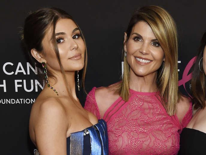 Olivia Jade, à gauche, et sa mère Lori Loughlin, le 28 février.