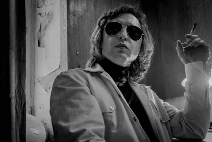 Roman Bilyk, alias Roma Zver, dans le film «Leto» (2018), deKirill Serebrennikov.