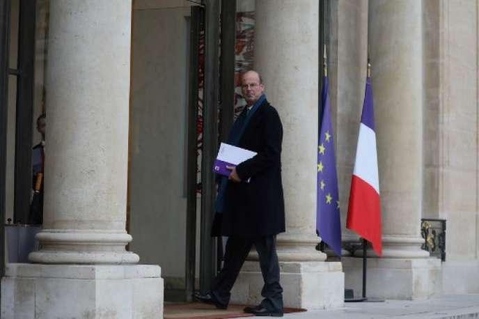 Eric Lombard, directeur général de la Caisse des dépôts et consignation, le 11 décembre 2018 sur le péron de l'Elysée.